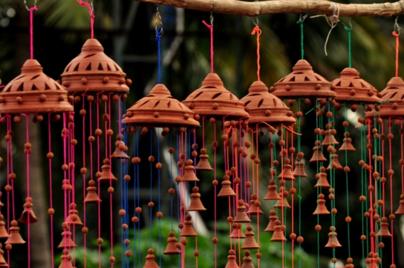 Terracotta wind chimes noisy pilgrims for Terracotta wind chimes
