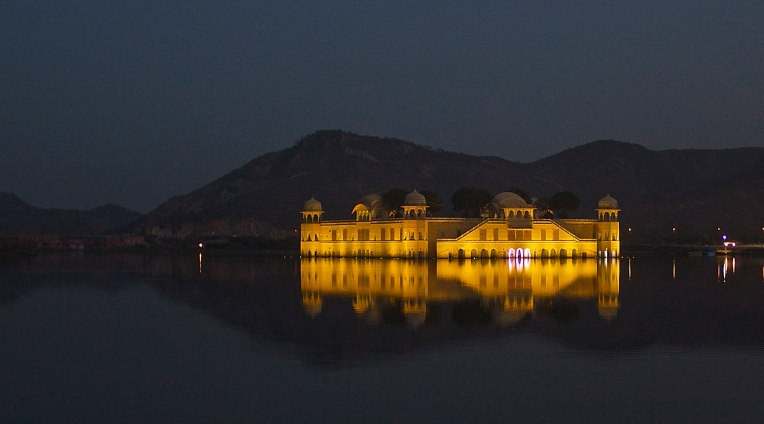 An evening at Jal Mahal